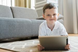 Demasiado uso de tablet en los niños